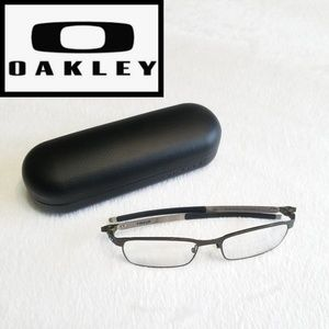 e32c538d79 Oakley mens Tincup glasses case and microbag
